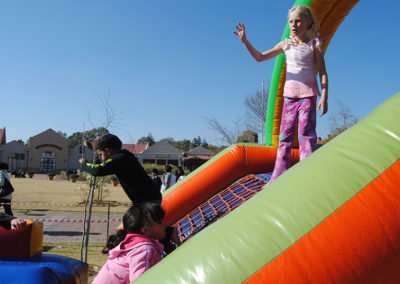 Gladiator Inflatables Funday 74
